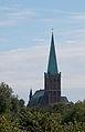 St. Gangolf über der Lindenallee zum Kapellchen.jpg