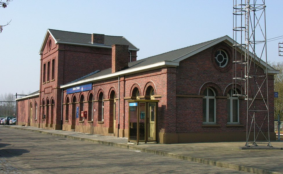 Zichem Station