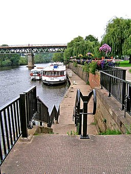 Steps down to River Severn from Le Vesinet Promenade - geograph.org.uk - 970956