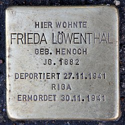 Photo of Frieda Löwenthal brass plaque