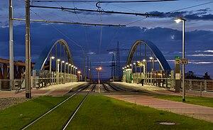 Straßenbahnbrücke Weil am Rhein.jpg