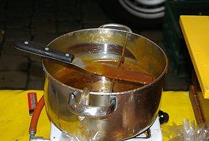 Stroopwafel - Image: Stroopwafel syrup gouda
