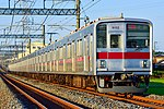 Tōbu 9000 series Tōjō Main Line 20171026.jpg