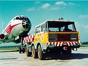 Tatra T813 6x6 tahač