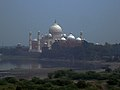 Taj as seen from Agra Fort 09.jpg