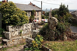 Ludgvan - The short Cornish cross in the churchyard