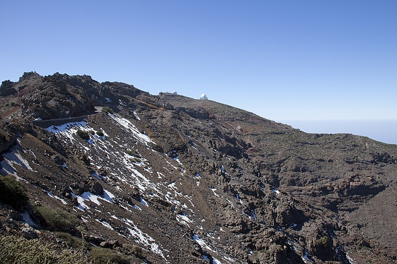 File:The top of the Caldera de Taburiente 1 (5492189715).jpg