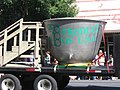 This float is a giant cooking pot for lentils (3938913150).jpg