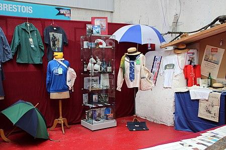 Tonnerres de Brest 2012 Bazar007.JPG
