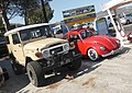 Toyota Land Cruiser & VW 1300 (37326054246).jpg