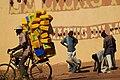 Transport de bidons à vélo1.jpg