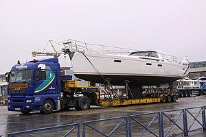 Transport routier d' un voilier de plaisance et de ses mâts (1).JPG