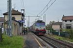 Treno in DT a Suno.JPG