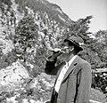 Trentar trobi s kozlovim rogom. Tako kličejo tega ali onega s hribov blizu doma, Trenta 1952.jpg