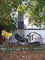 Trojská 110, pomník obětem válek.jpg