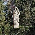 Tuin, beeld op sokkel van Christus als Goede Herder - Steijl - 20341990 - RCE.jpg