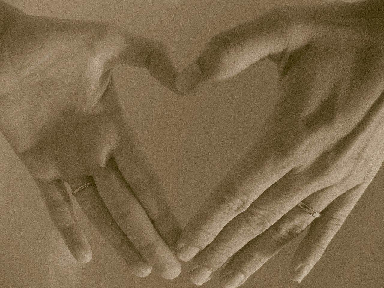 Wedding Ring Hand Us