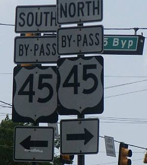 U.S. Route 45 - U.S. 45 signage in Jackson, Tennessee
