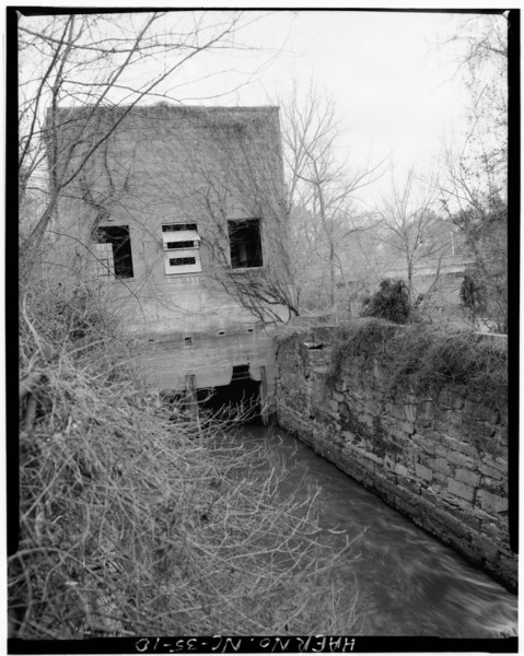 File:VIEW OF WEST ELEVATION OF POWERHOUSE, CANAL, AND RETAINING WALLS FROM NORTH BANK OF CANAL - Lockville Hydroelectric Plant, Deep River, 3.5 miles upstream from Haw River, Moncure, HAER NC,19-MONC,1-10.tif