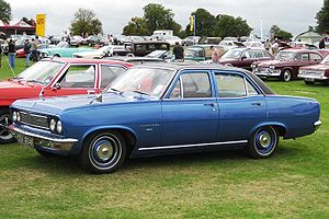 Vauxhall Viscount first registered May 1972 3300cc.JPG