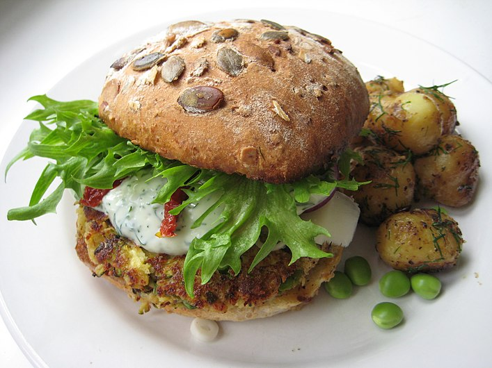Veggie burger miikkahoo flickr creative commons.jpg