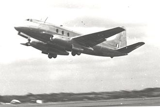 Vickers Viscount - Type 663 Tay Viscount demonstrating at Farnborough in September 1950
