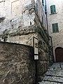 Vicolo BasilicaSpoleto 02.jpg