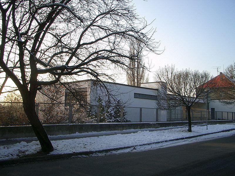 Villa Tugendhat front.JPG