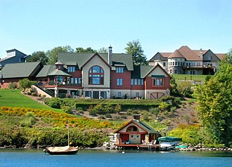 Skaneateles (town), New York - A home on the west shore of Skaneateles Lake