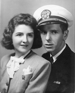USS Chimariko (ATF-154) - Lt. Walter R. Wurzler with his wife Inge in New York (1942).