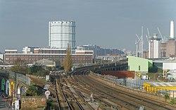 Wandsworth Road railway station MMB 04.jpg