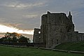 Warkworth Castle4 (1196619222).jpg