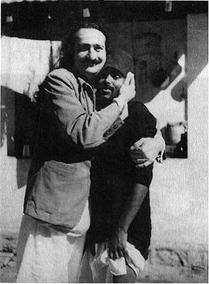Meher Baba - Meher Baba with a mast in Bangalore, 1940