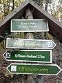 "Wegweiser am Gedenkstein ""Johanna Westpfal"" (Kyffhaeuser-Denkmal 1,7 km).jpg"