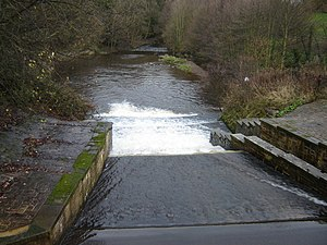 Sea Cut (Scalby Beck) - Image: Weir on Sea Cut from A171 bridge geograph.org.uk 1082036