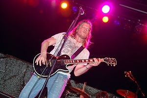 Wes Scantlin - Scantlin performing in May 2009