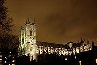 Vista da Abadia de Westminster em Inglaterra. As torres são neogóticas (séc XVIII).
