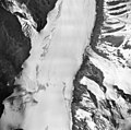 Yanert Glacier, upper reaches of valley glacier, August 26, 1963 (GLACIERS 5097).jpg