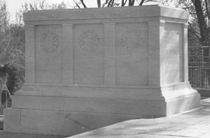 Yule Marble - The Tomb of the Unknowns is Yule marble, 1990.  North side view with one crack the length of the side.