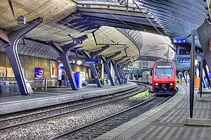 Zürich Stadelhofen railway station - Image: Zürich Stadelhofen in 2006