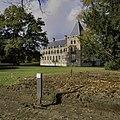 Zicht op kasteel met nieuw aangelegd pad op de voorgrond - Ambt Delden - 20389101 - RCE.jpg