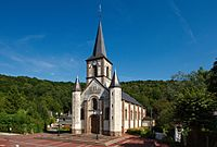Église Saint-Martin de Saint-Martin-du-Vivier vue de côté.jpg