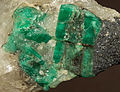 Émeraude, biotite, quartz 7100.5405.jpg