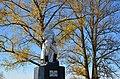Братська могила радянських воїнів. Монумент.JPG