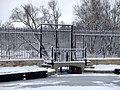 Гатчинский парк. Шлюз-регулятор на Белом озере.jpg