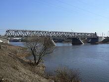 Железнодорожный мост в Твери.jpg