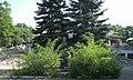 Константиновка, бюст Ленина перед руинами ДК Металлургов.jpg