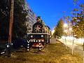 Паровоз и вагоны, установленные в честь труда железнодорожников во время Великой Отечественной войны.JPG