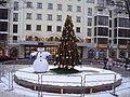 Снеговик у Петровского пассажа.JPG