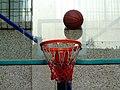 陕师大附中分校的篮球场和篮筐 07.jpg